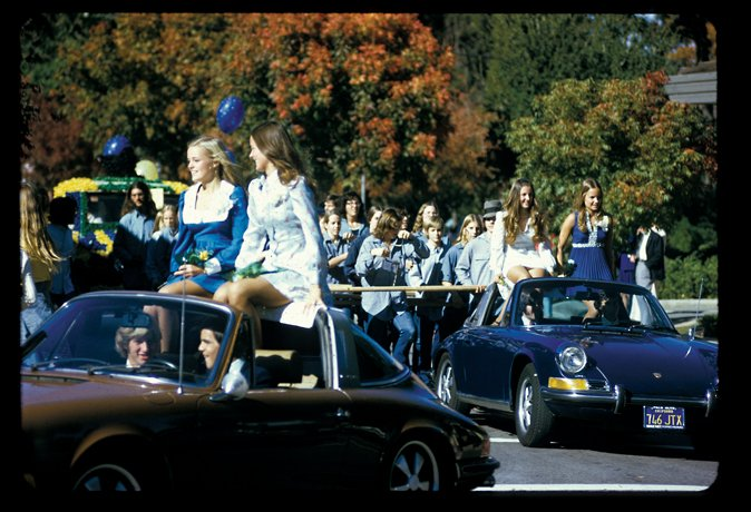 photo of high school homecoming parade