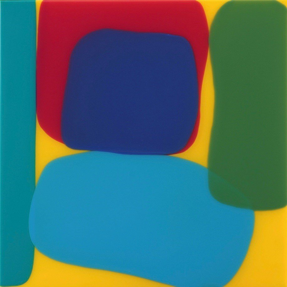 Blue, red and green overlapping blobs against a yellow background