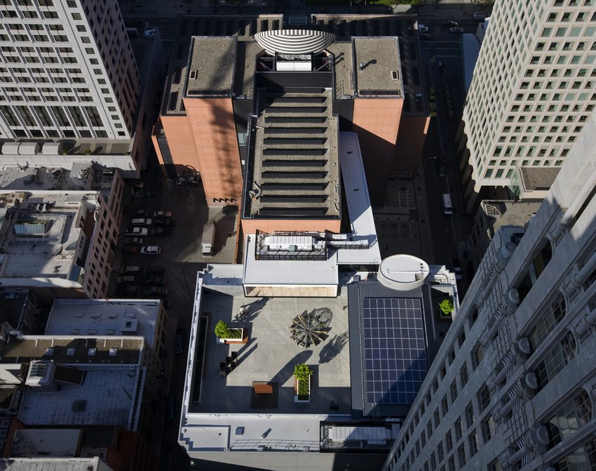 An aerial shot of the SFMOMA rooftop garden