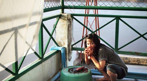 Apichatpong Weerasethakul, Mekong Hotel (still), 2012; image: courtesy Kick the Machine films
