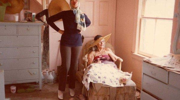 Albert and David Maysles, Grey Gardens (still), 1975; image: courtesy Janus Films