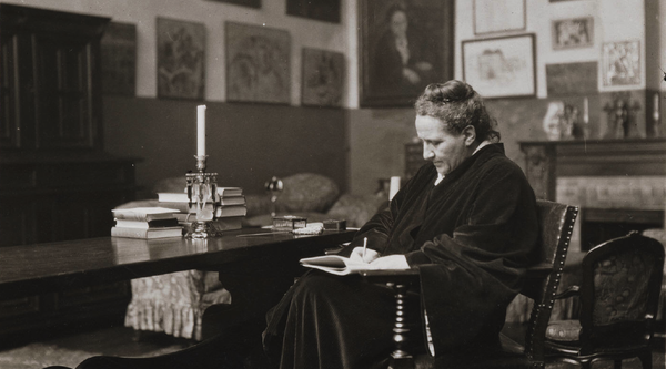 Gertrude Stein writing