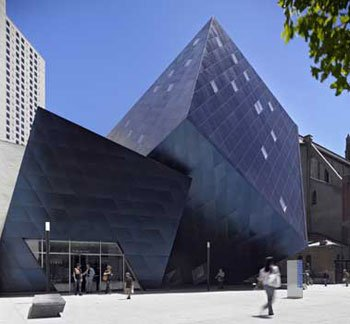 Architectural setting of the Contemporary Jewish Museum