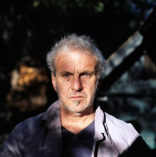 Portrait of photographer Jim Goldberg