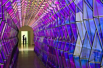 Eliasson, installation hallway lined with purple glass structures