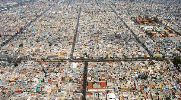 birds eye view of neighborhood in Mexico Cityt