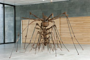 Louise Bourgeois nest sculpture