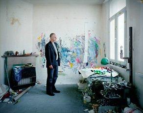 photo of Luc Tuymans in studio