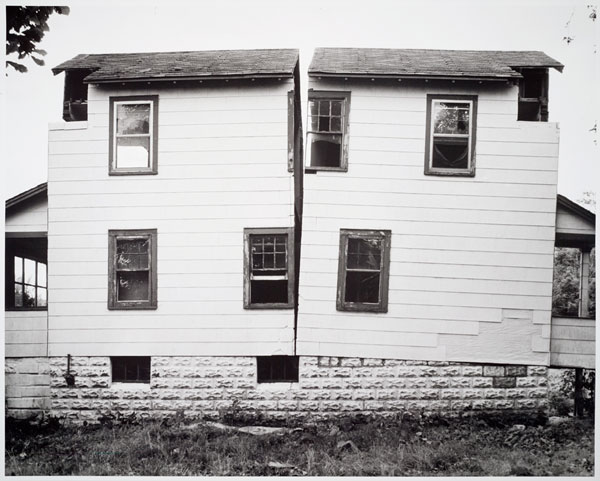 Gordon Matta-Clark, Splitting,1974