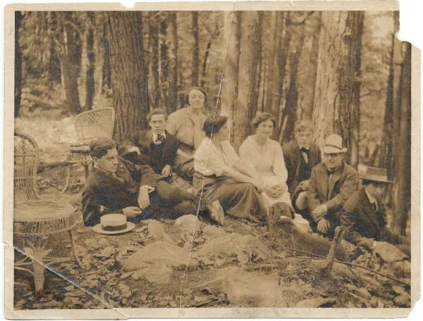 Artists at Mt. Kisco, 1912; unidentified photographer. Abraham Walkowitz papers, Archives of American Art, Smithsonian Institution