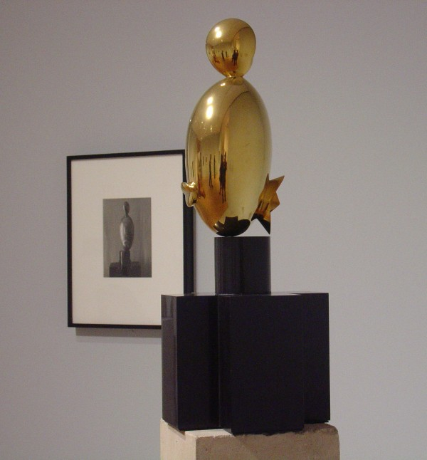 "Constantin Brancusi's ""La Négresse blonde"" and Charles Sheeler's Untitled photograph of ""La Négresse blonde"""