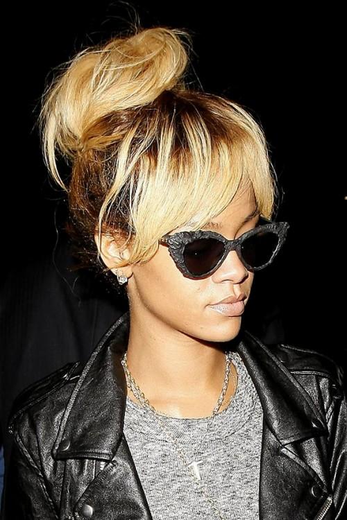 Rihanna_blonde