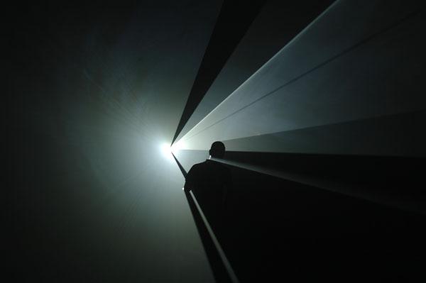 Anthony McCall, You and I, Horizontal, 2005