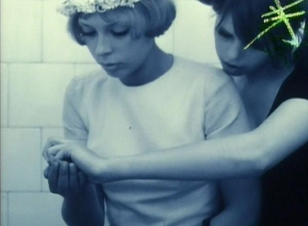 """Cigarette burn"" in frame from Daisies (Vera Chytilová, 1966)."
