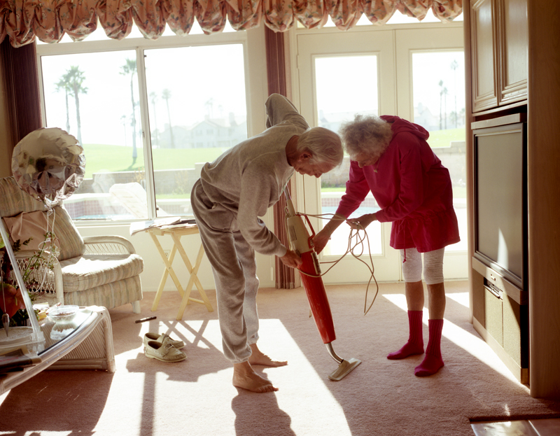 Larry Sultan, Fixing the Vacuum, 1991. Courtesy The Estate of Larry Sultan and Casemore Kirkeby.