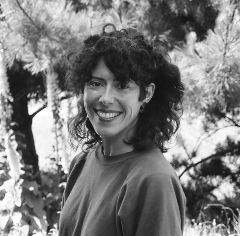 Leslie Scalapino in 1985. Photo: Tom White.