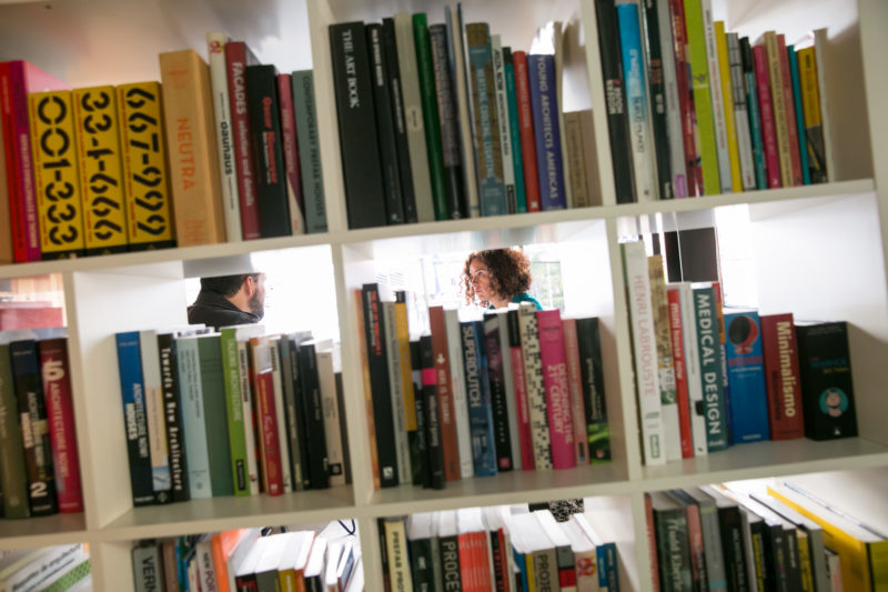 Carolina Miranda interviewing architect Jorge Gracia. Photo: Marcus Yam.