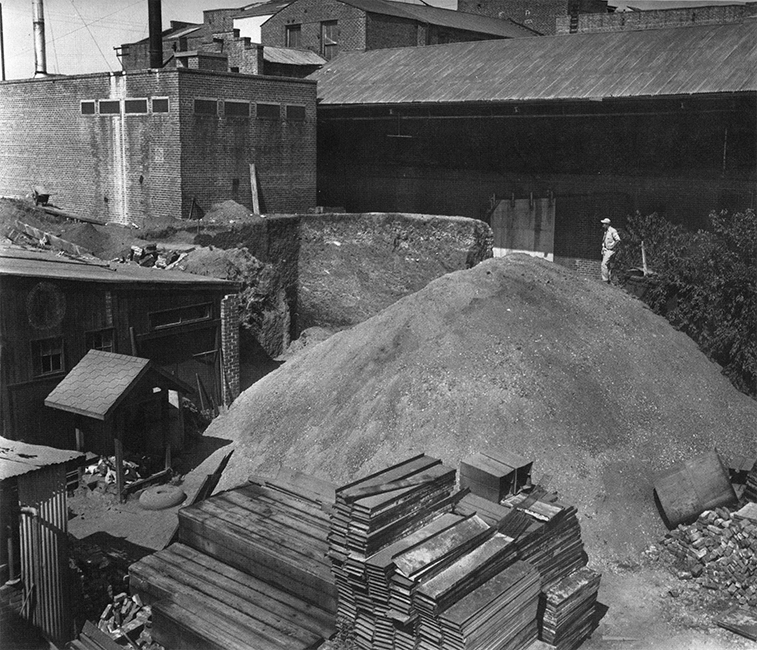 Remnant of the West Berkeley Shellmound during archaeological excavation (circa 1950) Source: shellmound.org.