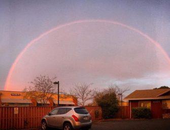 舊金山清晨微光伴雙彩虹!早起的鳥兒才能享有的美景