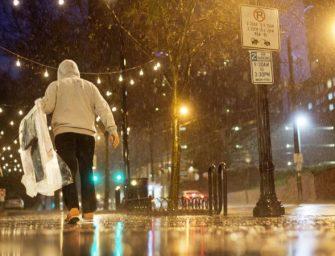 美国南部龙卷风造成至少11人死亡