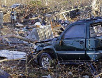 美国南部龙卷风造成至少14人死亡