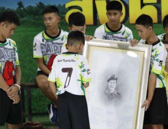 泰国少年足球队获救后首次描述被困经历