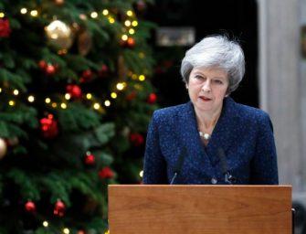 英国首相面临党内不信任投票