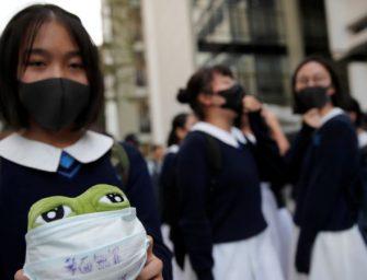 良知与父母打压下 香港中学生说别无选择