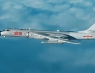 中国空军首次公布国际空域排除外机干扰影音