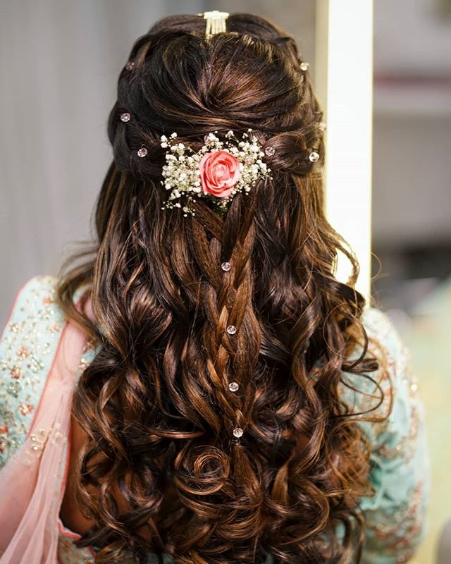 Wedding Party Hairstyle For Thin Hair: Open Hairstyle With Curls And Baby's Breath