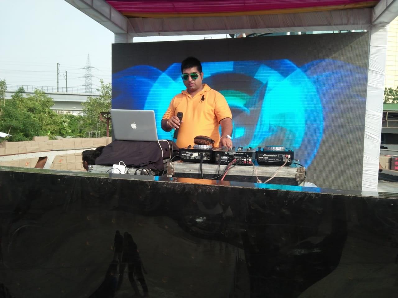 DJ MUKUL VOHRA - Portfolio