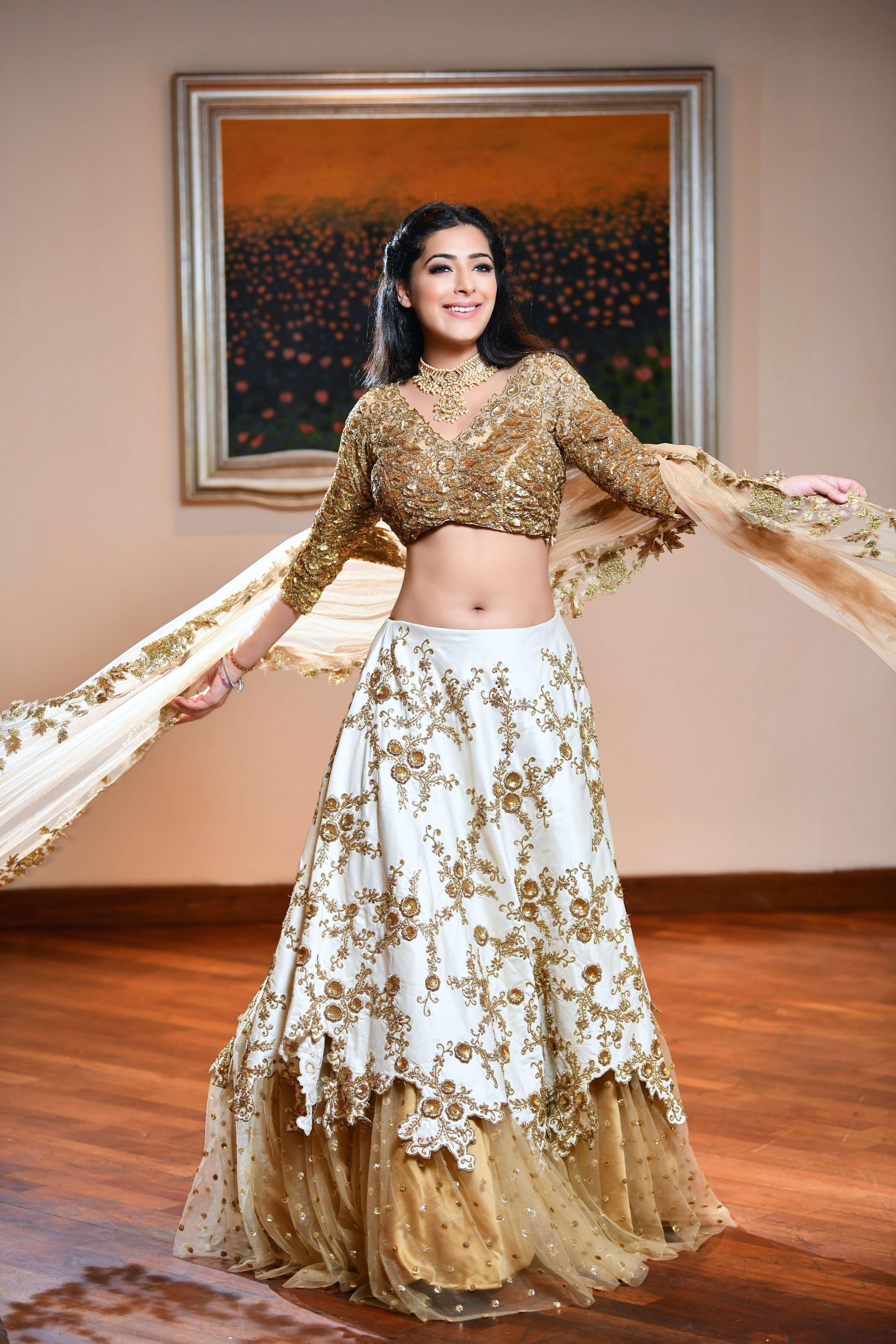 Neha Mehta Couture - Portfolio