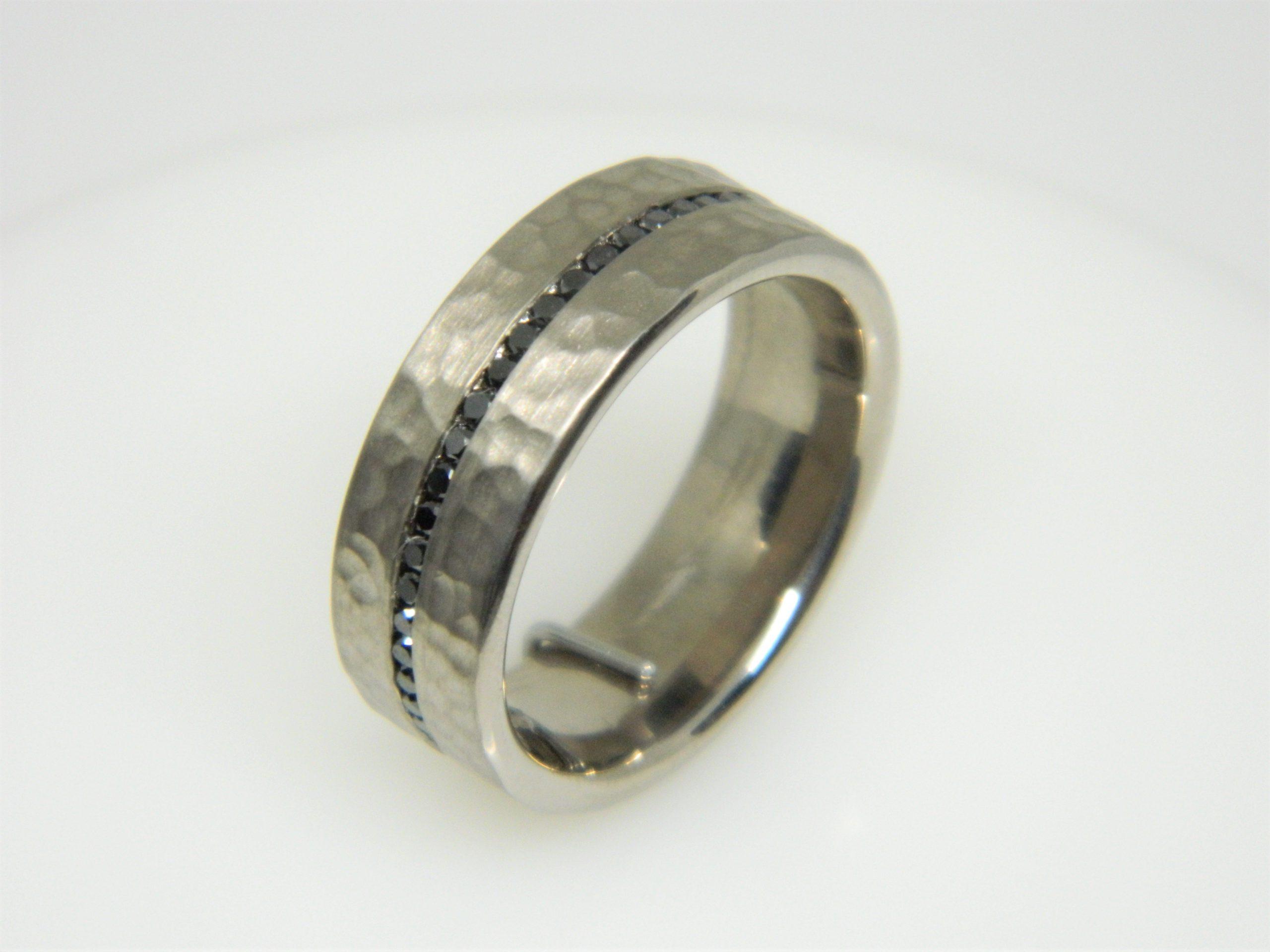 14 Karat Grey Gold Band Mounted Ring with Round Cut Black Diamonds weighing 0.60ct - Size 10