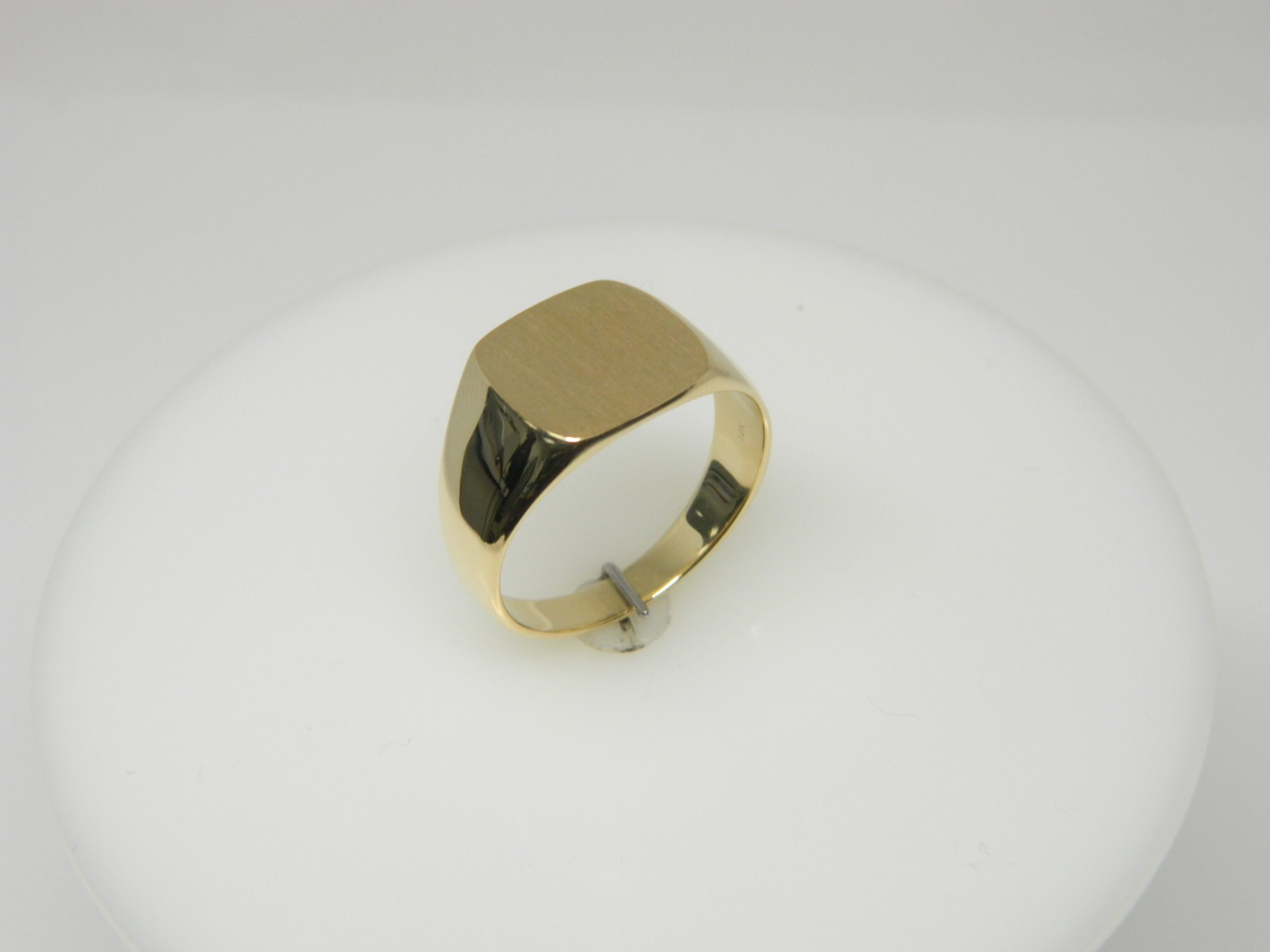 14 Karat Yellow Gold Bands Close Back Men's Signet Ring