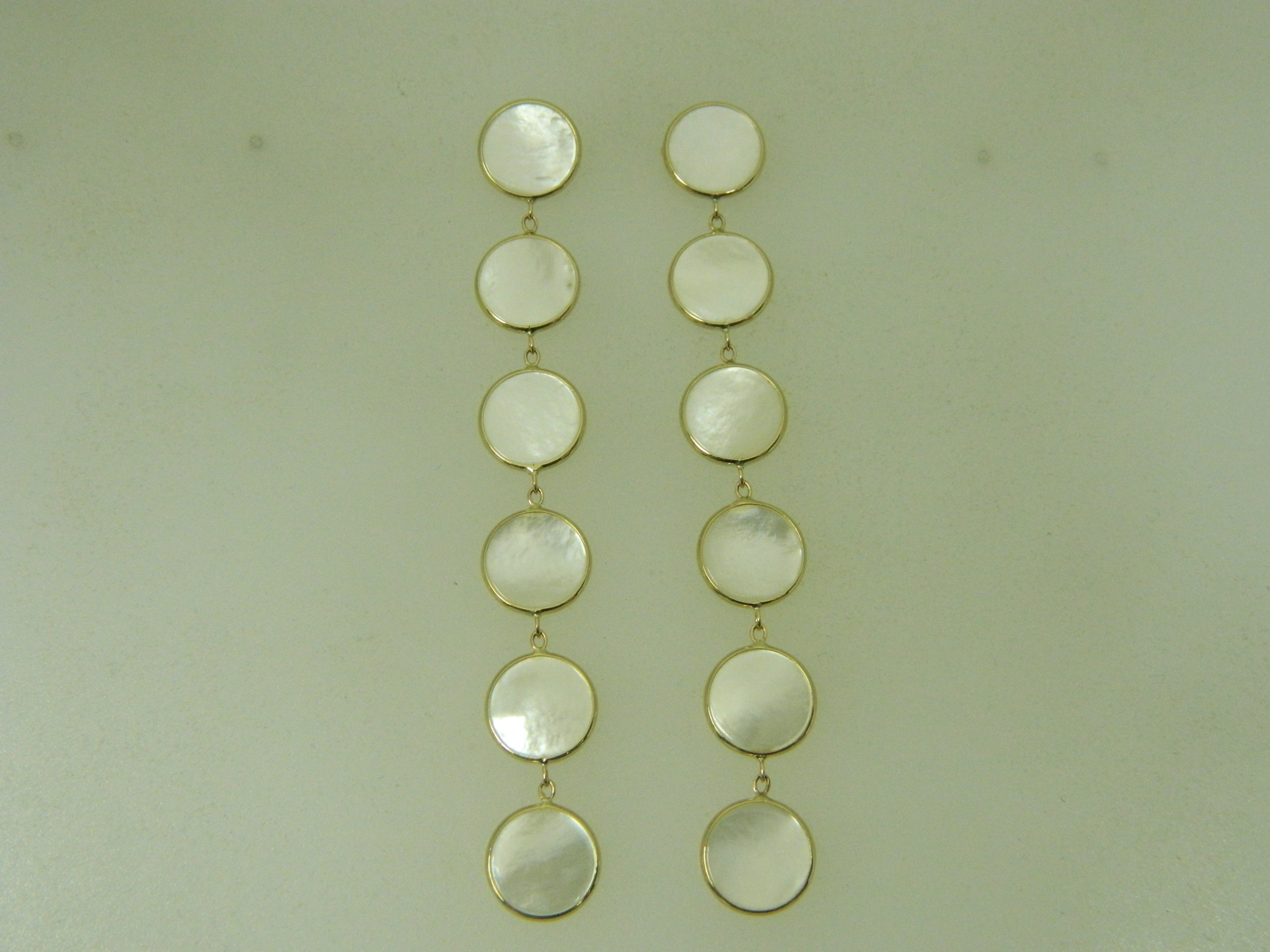 14 Karat Yellow Gold 10MM Mother of Pearl Tailored Earrings