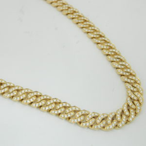 18 Karat Yellow Gold Mounted 21'' Necklace with 664 Pave Set Round Cut Diamonds weighing 17.85cts. 10mm