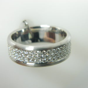 18 Karat White Gold Band Mounted 8mm Ring with 129 Round Cut Diamonds weighing 2.48cts - Size 10.5