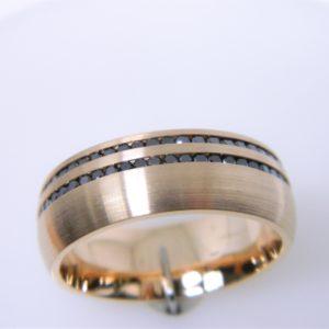 14 Karat Rose Gold Band Mounted Ring with 103 Black Diamonds weighing 1.18cts- Size 10