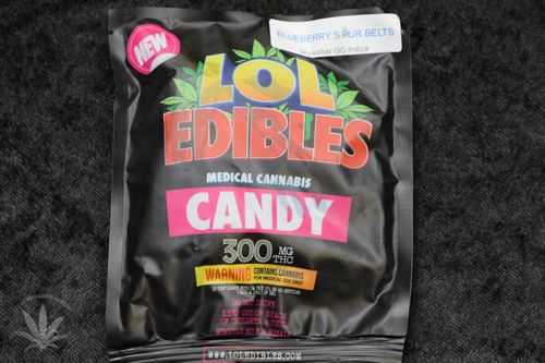 LOL Edibles Blueberry Sour Belts, 300mg