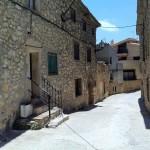 Walking to Celler Pasanau in Priorat, near Montsant.