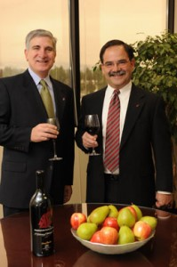 Phil DiPofi, president and CEO of Northwest Farm Credit Services, and Dan Bernardo, dean of the WSU College of Agriculutral, Human, and Natural Resource Sciences.