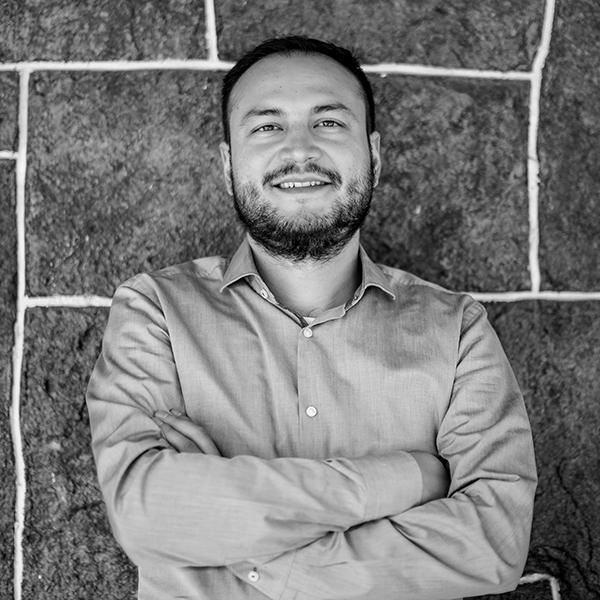 Cuestione | Emiliano Ruiz Parra