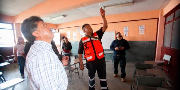 Cuestione   México   A un año, 19 mil escuelas tuvieron daños