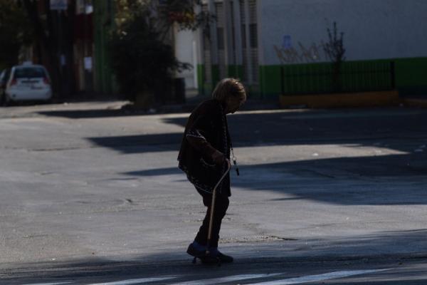 México | Abandonar a un adulto mayor podría costar cárcel en México