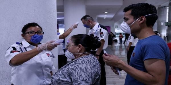 México | Aeropuerto de la CDMX gasta 144 mil pesos al día en revisión a pasajeros por COVID-19