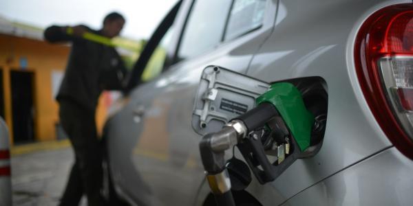 Cuestione      AMLO y los gasolinazos
