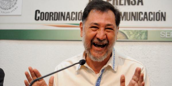 Cuestione   Hashtag   Así se pasea Gerardo Fernández Noroña