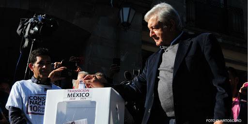 Cuestione   México   Así votó AMLO en la consulta por el Tren Maya
