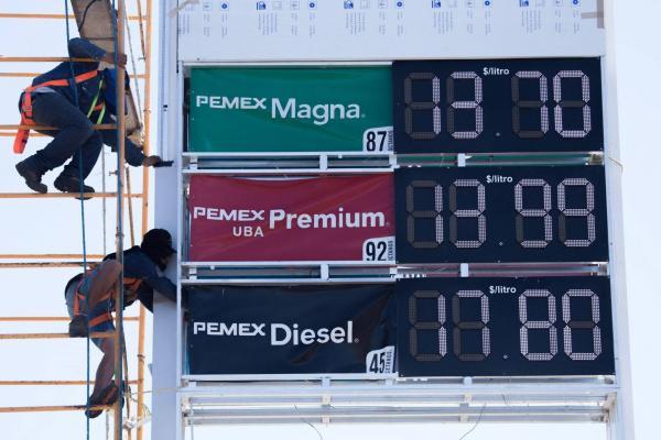 A Fondo | Bajó la gasolina, pero no necesariamente es una buena noticia para México