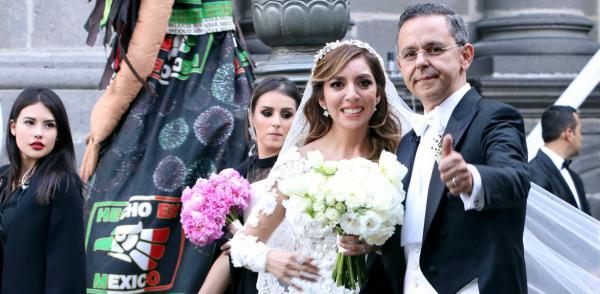 Cuestione   México   La polémica boda de César Yáñez